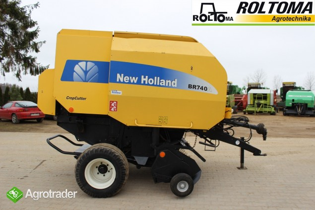 New Holland BR740A prasa