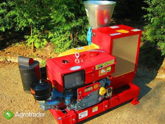 PELLECIARKA: wydajność 300-450 kg/h  napęd z silnika Diesla - zdjęcie 3