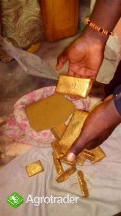 Goldbarren in der Menge zum Verkauf - zdjęcie 2