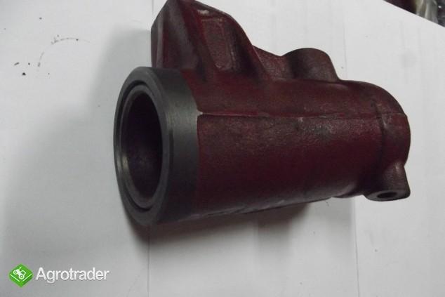 Cylinder z tłokiem i pierścieniami podnośnika do C-360/C-355/C-4011.   - zdjęcie 2