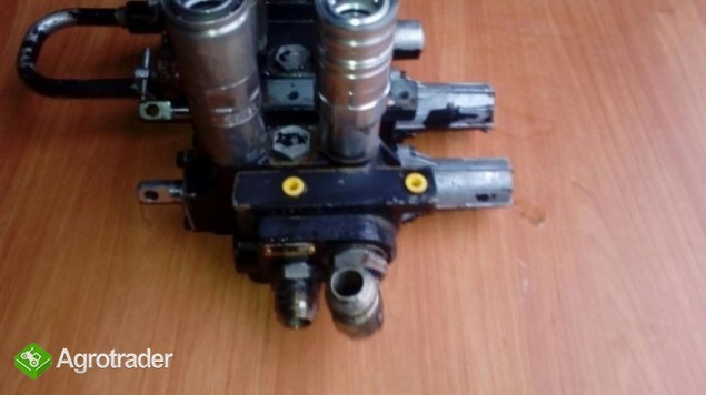 Rozdzielacz hydrauliczny Massey Ferguson 6120,6130,6140,6150,6160,6170 - zdjęcie 1