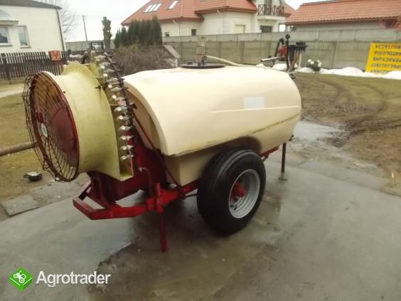 Opryskiwacz sadowniczy 1000 l , transport - zdjęcie 1