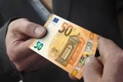 Oferta de empréstimo entre indivíduo urgente