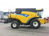 NEW HOLLAND CR 9080 ELEVATION - 4X4 - VARIFEED 9,15 M - 2011 ROK