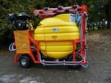 Opryskiwacz spalinowy wózkowy. Zbiornik 200l , silnik 6,5 kM