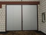 Drzwi inwentarskie z płyty warstwowej do hal, obór, magazynów itp.